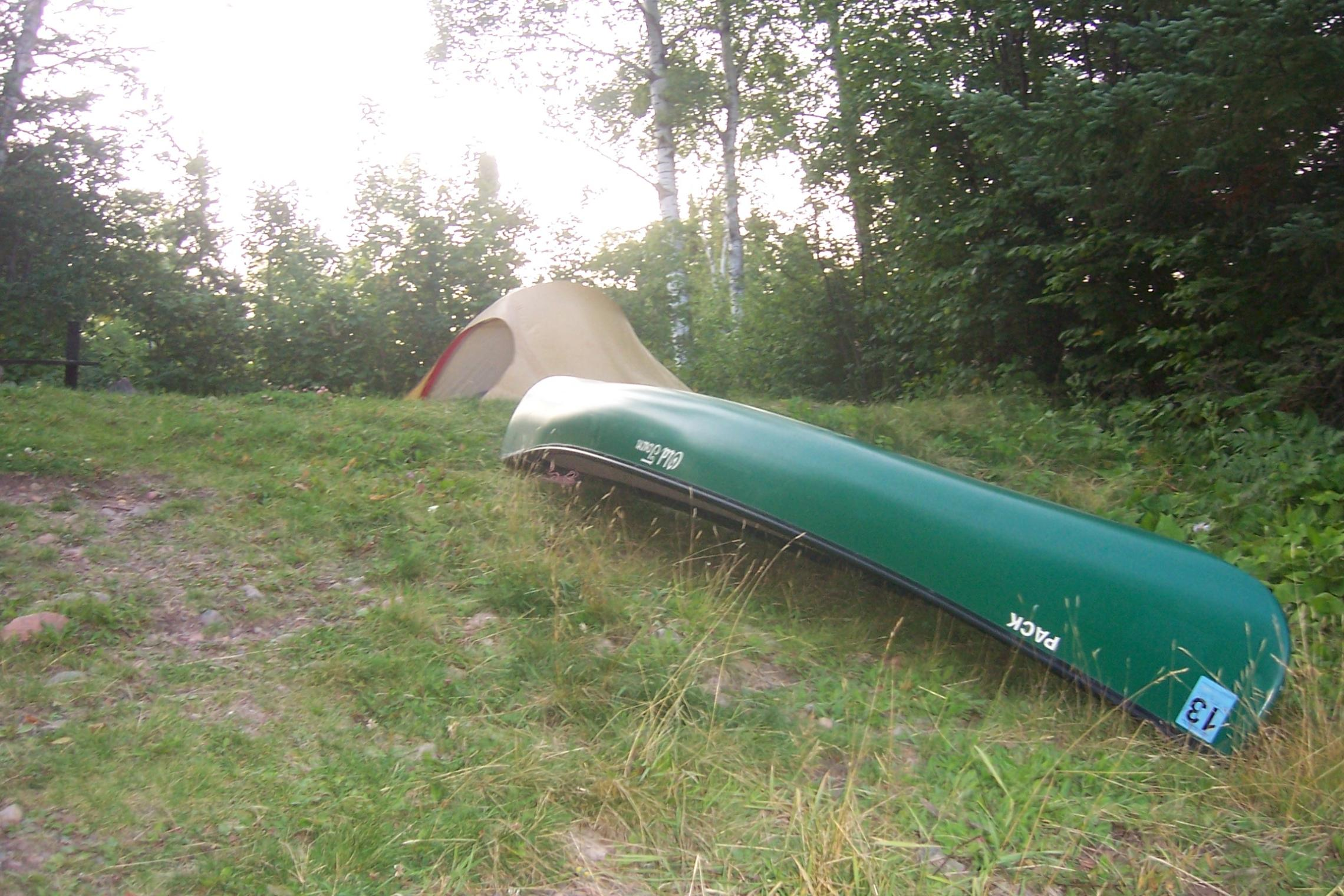 Moss tent and pack canoe