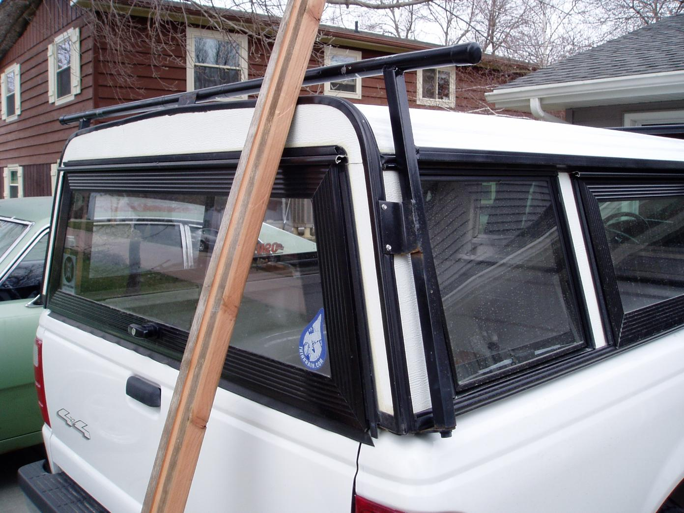 Canoe load bar not mounted