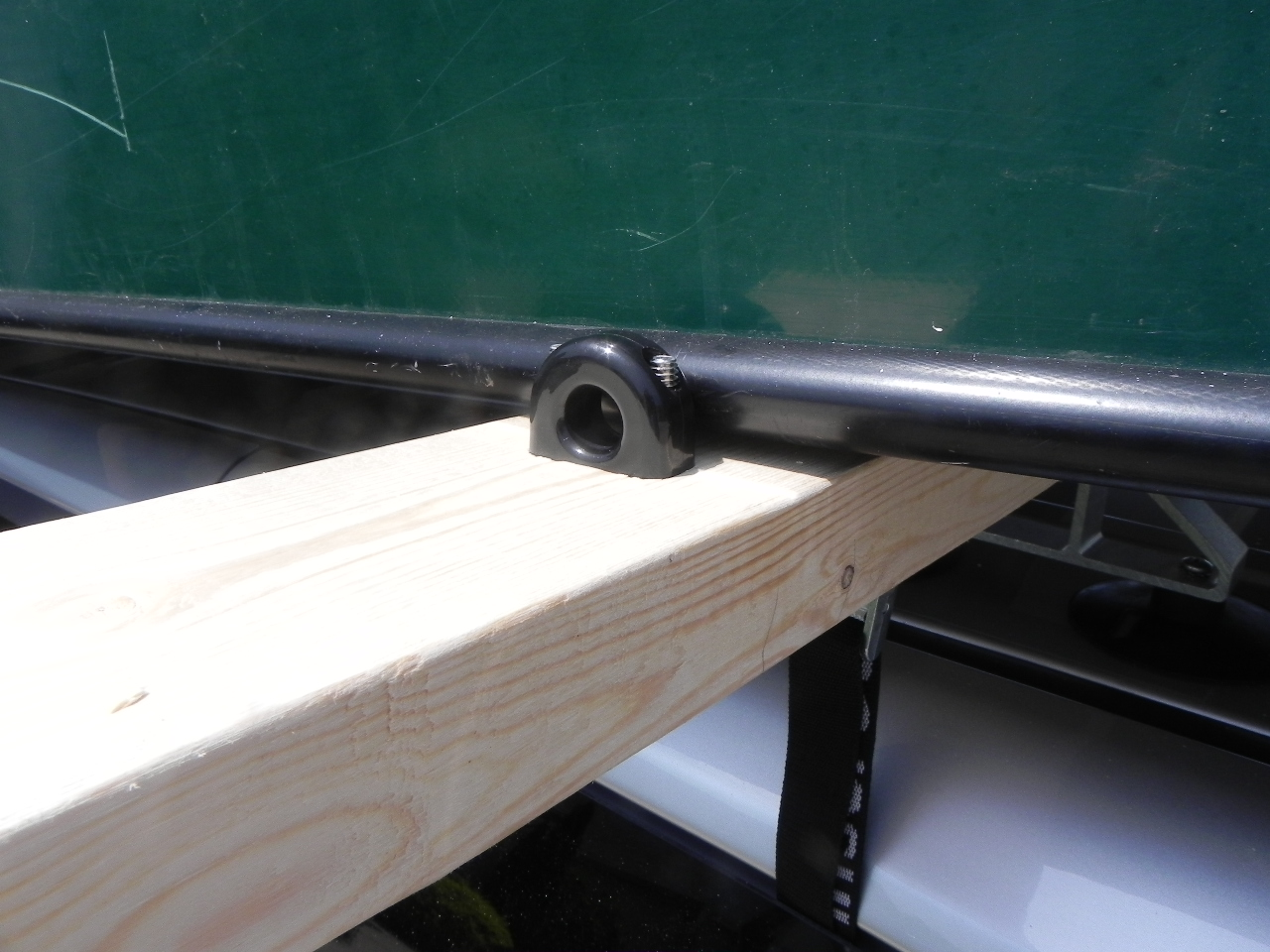 Canoe rack Rubber bumpers are installed