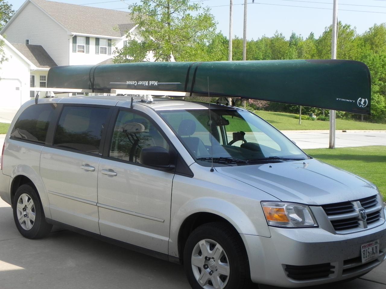 how to put a canoe on a car