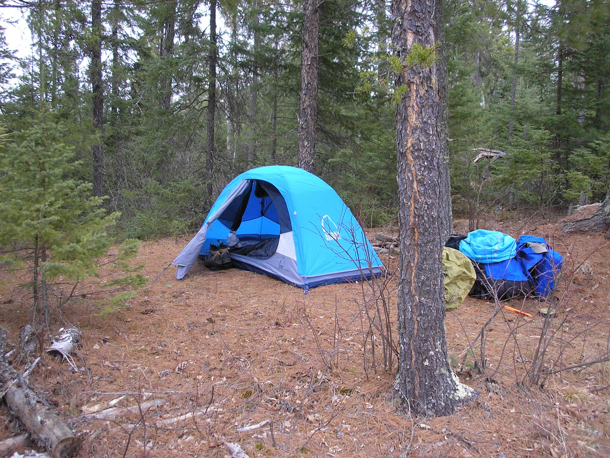sierra designs electron 1. its very heavy for a true solo tent but its made out of sturdy materials which I think is more important than weight alone. & Boundary Waters Message Board Forum BWCA BWCAW Quetico Park