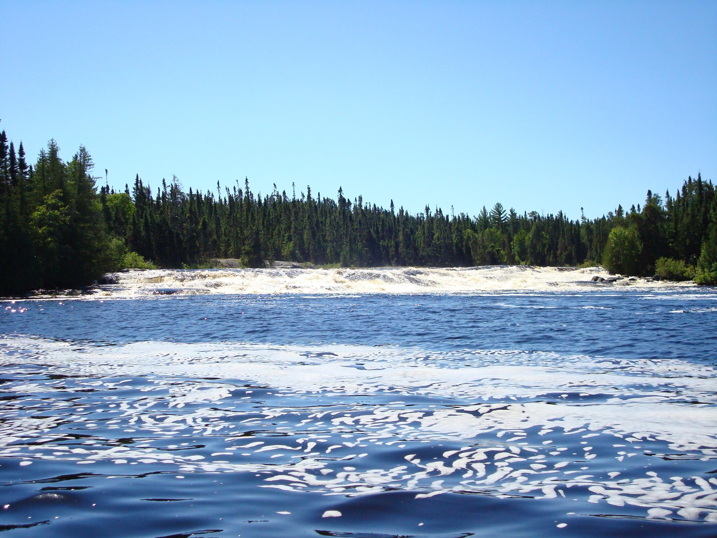 Falls on Keats Lake