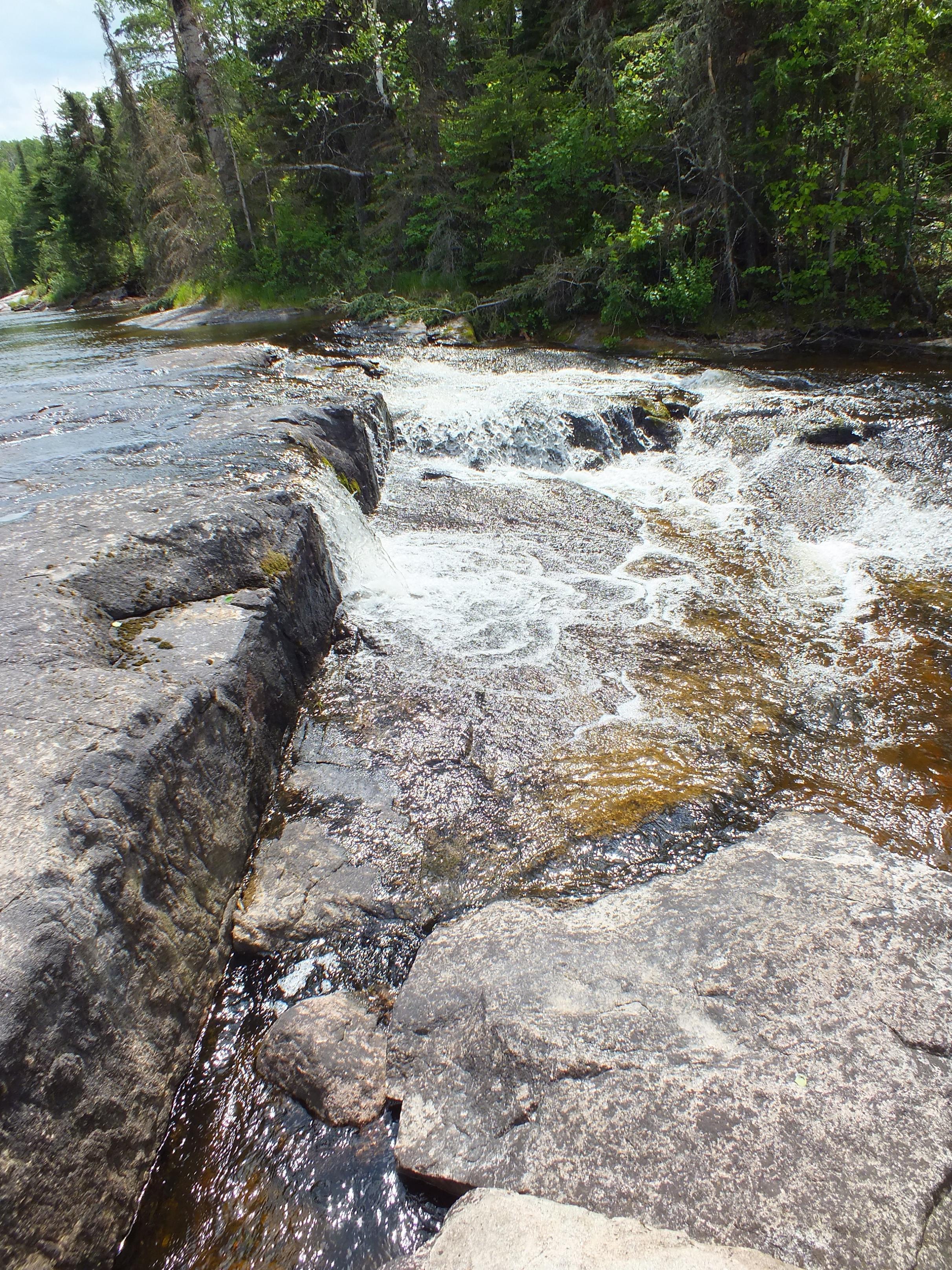Larus Falls (small side channel)