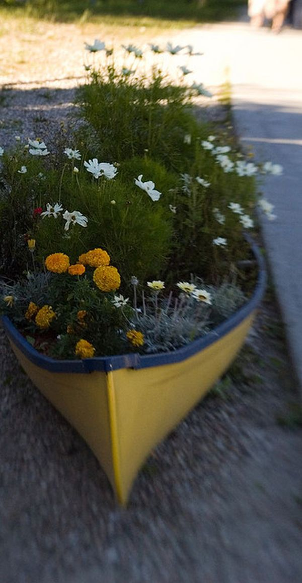 Beater canoe for flower bed